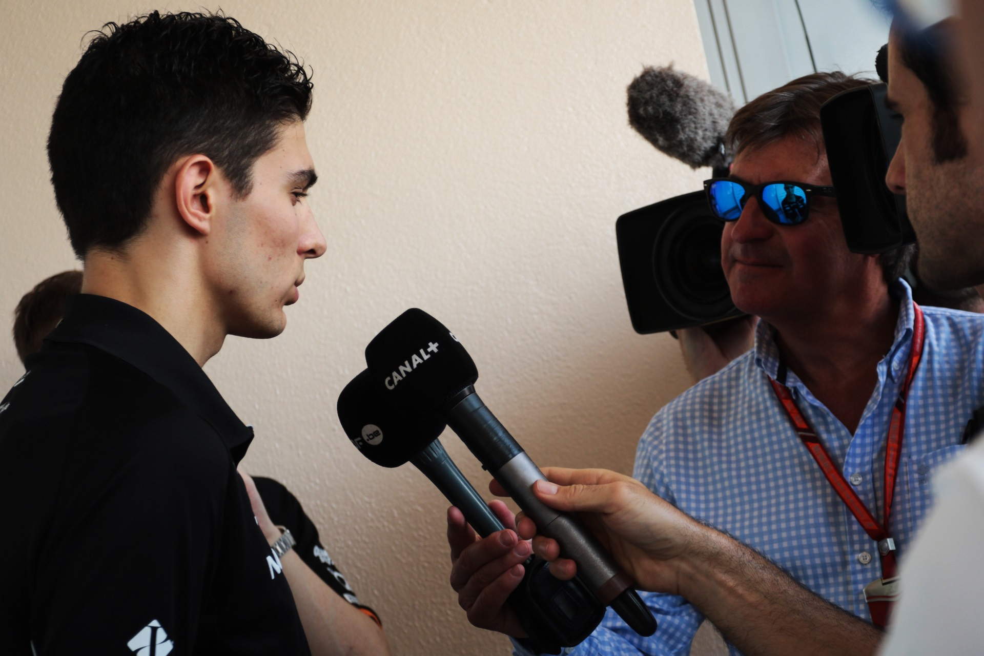 Esteban Ocon (FRA) Sahara Force India F1 Team with the media. Bahrain Grand Prix, Thursday 13th April 2017. Sakhir, Bahrain., TV interview, Canal+