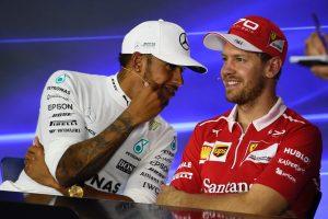Sportszerűségből jeles: Vettel átment gratulálni a Mercedeshez