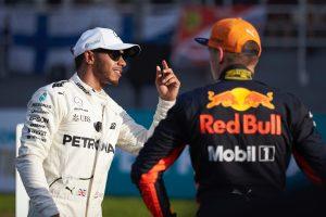 Hamilton megkérte a Mercedes tagjait, kritizálják őt e-mailben