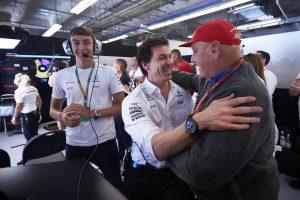 "Lauda ""les*ggfejezte"" Wolffot, jól halad a gyógyulása!"