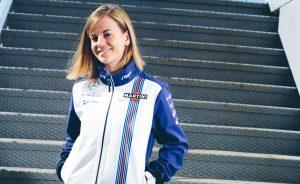 Ma 36 éves a csinos F1-es pilótanő
