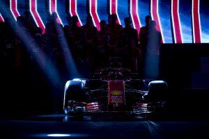 Az új Ferrari és McLaren is átment az FIA töréstesztjén