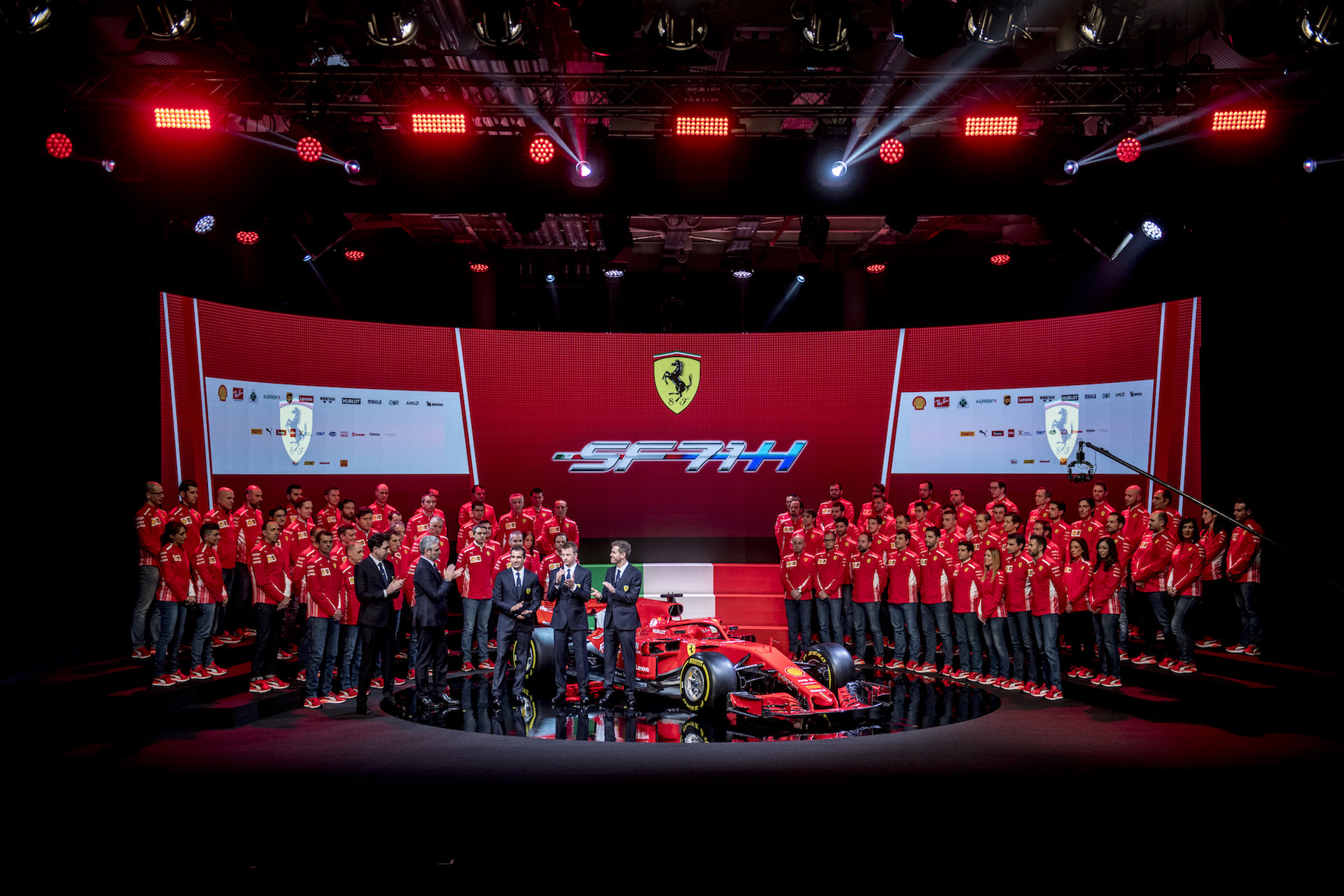 170013_sf70h-Ferrari_SF71H_Launch