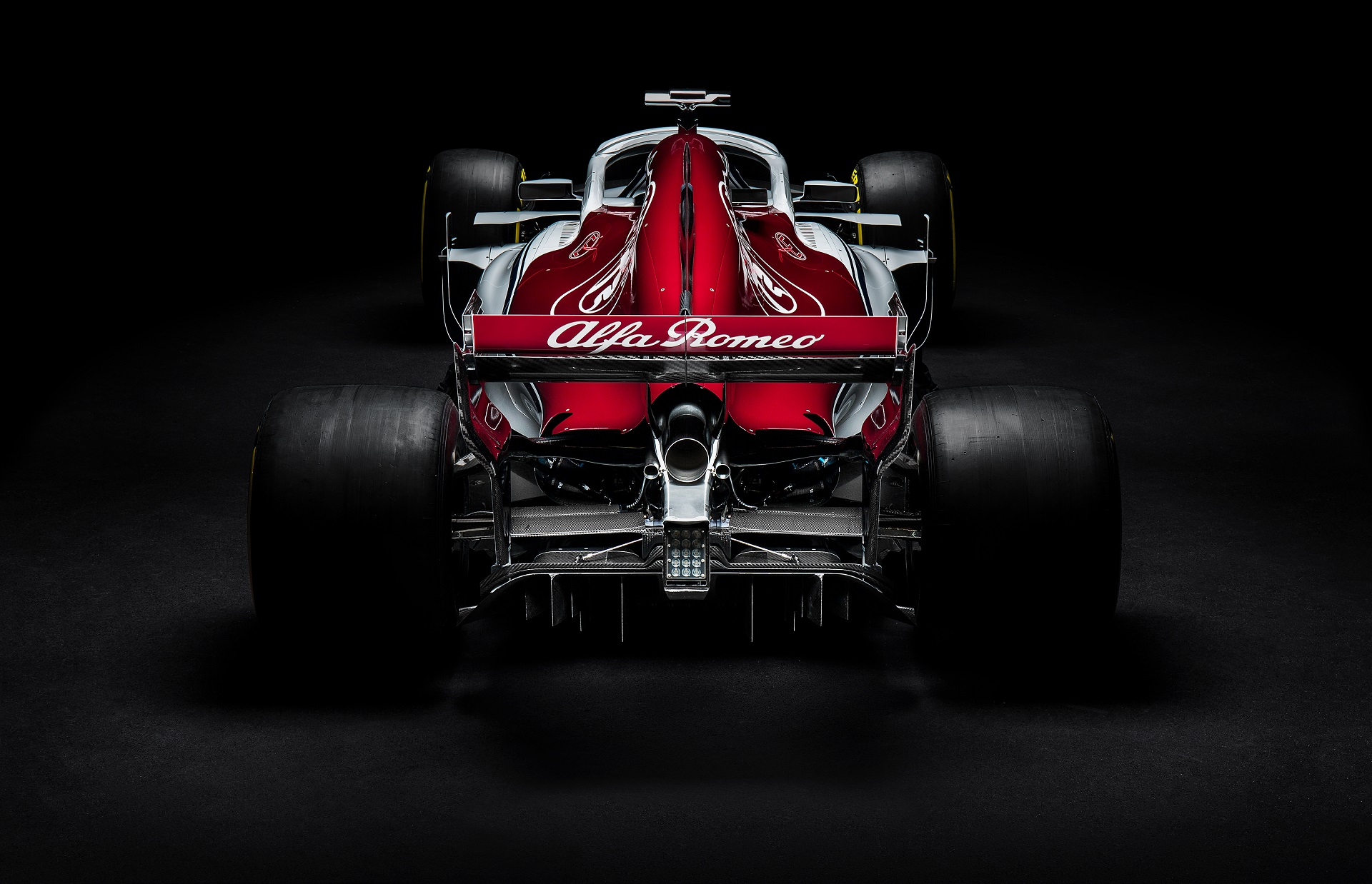AlfaRomeo_rear_high