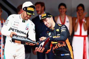 Ricciardo szeretett volna a cipőjéből inni Abu Dhabiban