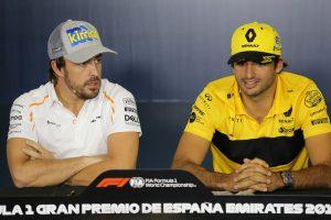 Hivatalos: Carlos Sainz érkezik Alonso helyére