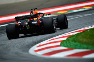 Ricciardo új versenymérnököt kap, ha a Red Bullnál marad