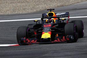 Ricciardo a mezőny végéről rajtol Hockenheimben