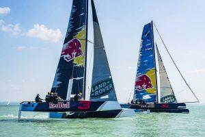 Videó: A Balatonon járt Verstappen és Ricciardo