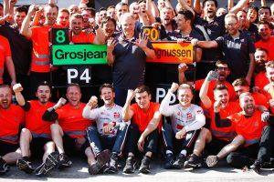 Hivatalos: Nem változtat versenyzőpárosán a Haas F1-es csapata