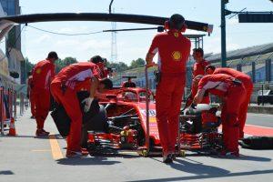 Giovinazzi az élen, a Toro Rosso balesetezett a Hungaroringen