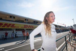 Fotók: Hosszú Katinka és Palvin Barbi is F1-es autóba ült