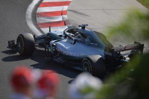 Hamilton: Az időmérős teljesítményen kell javítanunk