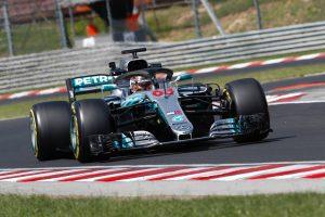 Váltóhiba hátráltatta a Mercedest a Hungaroringen