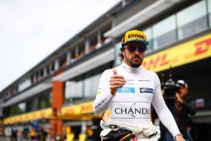 Fotó: Megjelent egy Alonso-hasonmás a monzai paddockban