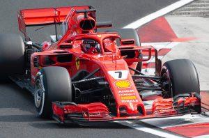 Videó: Räikkönen az F1 történetének leggyorsabb körével szerzett pole-t