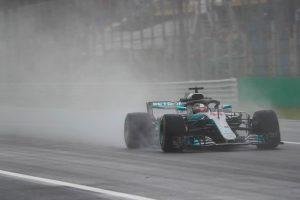 Hamilton az élen az esős austini edzésen, Vettel tizedik