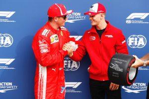 Mick Schumacher: Öröm volt átadni Räikkönennek a díjat (fotók)