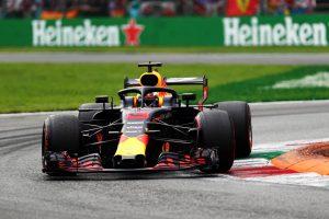 Nem motorhiba miatt esett ki Ricciardo