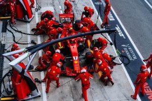Räikkönent akarták akadályozni Hamilton szerelői? Itt a Mercedes válasza!