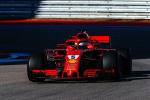 Vettel elmondta, mit tett volna a Ferrari a Mercedes helyében