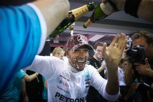 Hamilton kedvet kaphat Schumacher rekordjaihoz