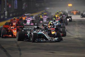 Hamilton győzött, Vettelnek esélye sem volt Szingapúrban!