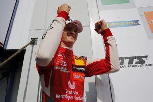 Schumacher újra nyert, az összetettben is az élre állt