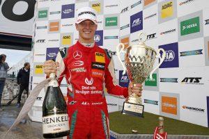 Hamilton: 100%, hogy Mick Schumacher bekerül az F1-be!