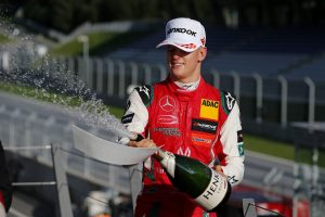 Schumacher magabiztosan vezeti az EB-t, csapata már bajnok
