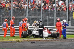 Videó: Az F1-es szezon legnagyobb balesetei