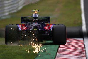 Jelentősen csökkenteni kellene az F1-es autók leszorítóerejét
