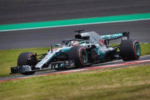 Hamilton simán nyert, Vettel Verstappennel ütközött Japánban!