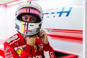 """Vettel rádióüzenete: """"Lifeg valami a lábaim között…"""""""