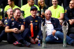 A Renault-t dicséri a Red Bull főnöke