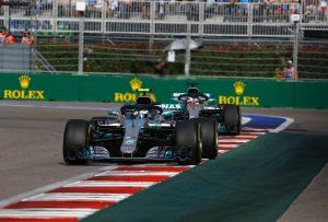 """Hamilton: A Pirelli sürgősen változtasson ezen a """"nevetséges"""" helyzeten"""