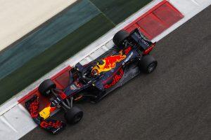 Red Bull: Egy erősebb motorral teljesen más szezonunk lett volna