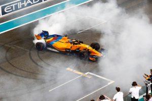 Alonso hálás Vettelnek és Hamiltonnak a búcsúztatásért