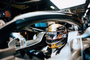 Videó: Hamilton üléspróbán a 2019-es Mercedesben