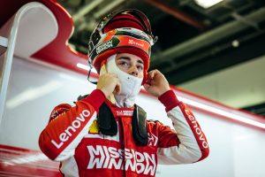 Leclerc az élen a második abu dhabi tesztnap délelőttjén