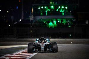 Felkészülés 2019-re: Apró szenzorok tűntek fel a Mercedes autóján