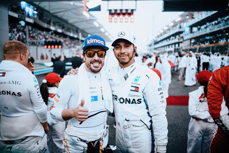 2018 Abu Dhabi Grand Prix, Sunday - Paul Ripke Fernando Alonso Lewis Hamilton Mercedes