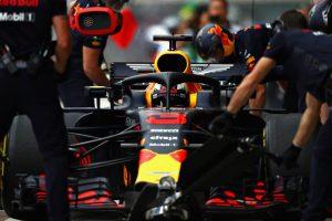 A mexikói pályabírók miatt kap Ricciardo rajtbüntetést