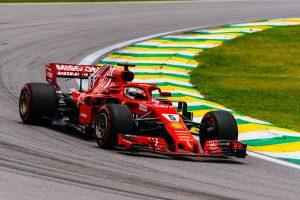 Vettel időmérős incidense: Döntöttek a versenybírók