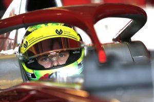 Räikkönenék autójával tesztelhet Mick Schumacher