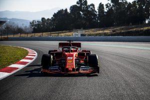 Vettelék bejáratták az új Ferrarit (Videóval)