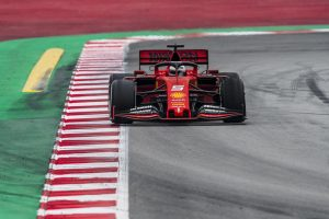 Vettel alatt megállt az autó, vége a Ferrari tesztprogramjának