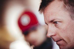 Fotó: Räikkönen a gyerekekkel jetskizik