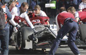 Räikkönen, az ezermester: F1-es ülését szerelgette a korábbi bajnok