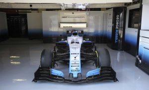 Szerda hajnalban érkezik a Williams autója Barcelonába